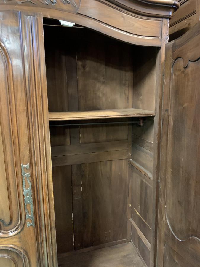 Ravissante petite armoire Bourguignonne