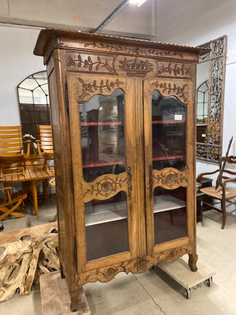 Armoire normande vitrée en chêne