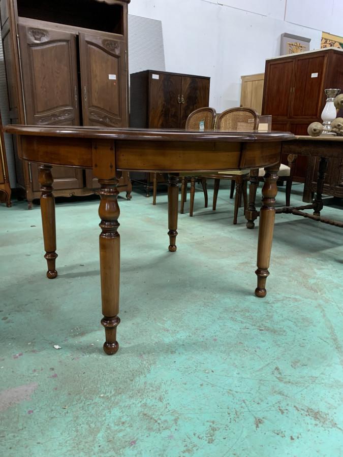Table ronde extensible en merisier massif