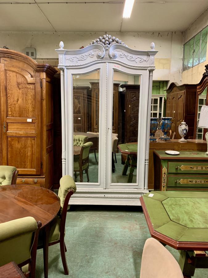 Grande armoire à glaces de style Louis XVI