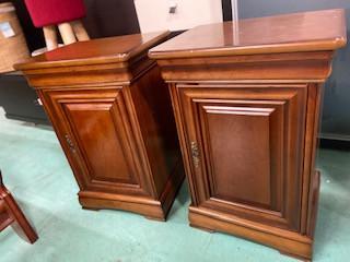 Tables de chevets de style Louis Philippe