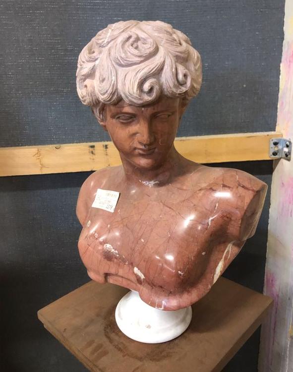 Buste d'ephebe en marbre