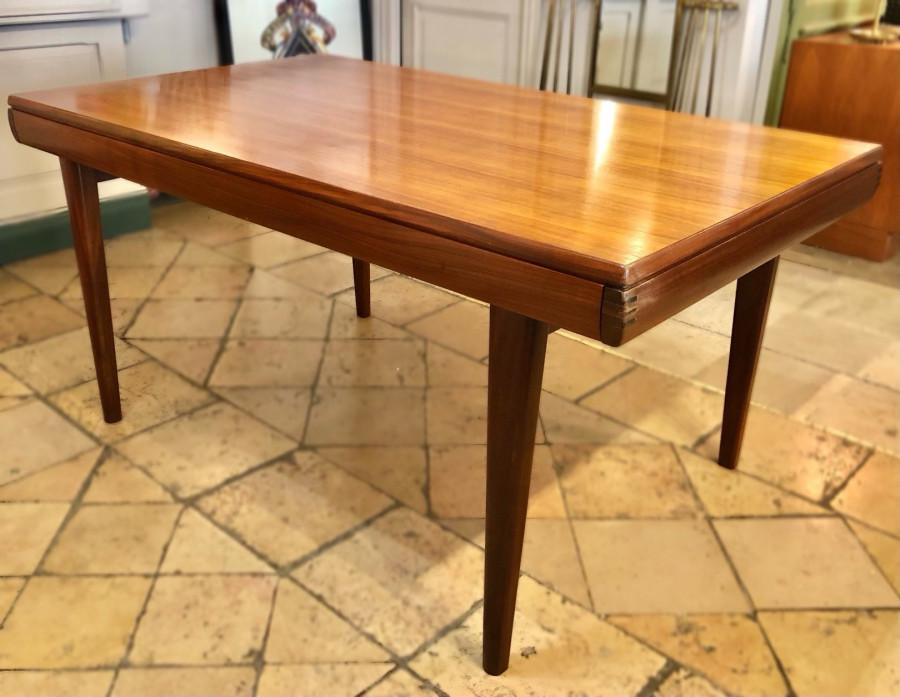 Superbe table scandinave avec allonges