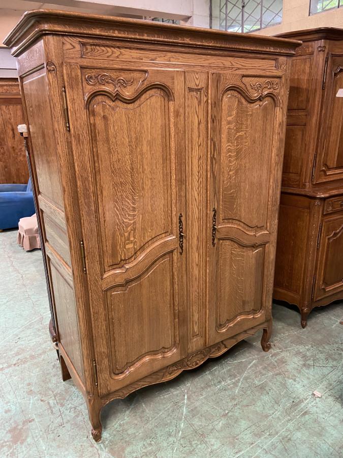 Petite armoire néo-rustique en chêne