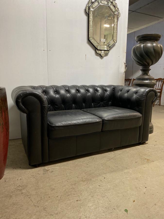 Canapé Chesterfield en cuir noir 2 places