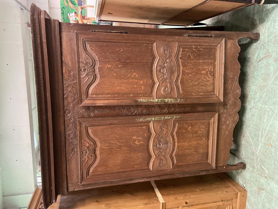 Petite armoire normande en chene