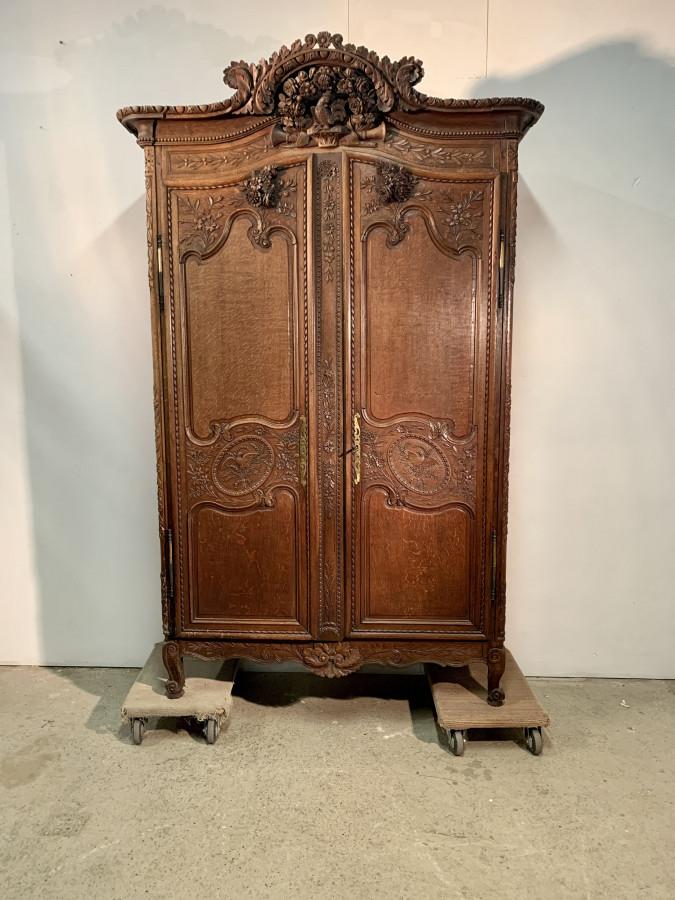 Incroyable armoire Normande Fécampoise en chêne