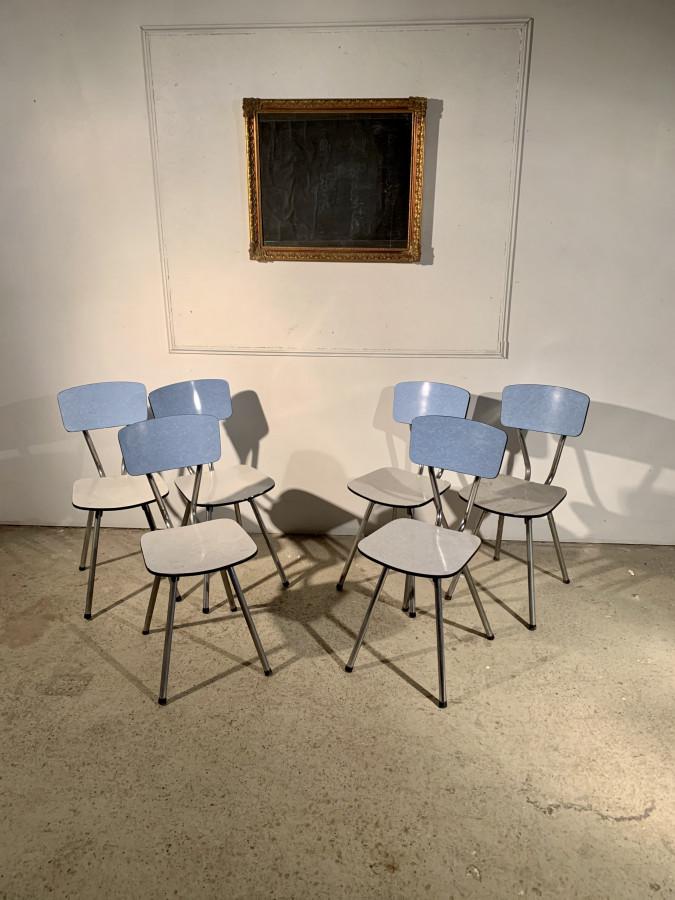 Joli lot de six chaises en Formica
