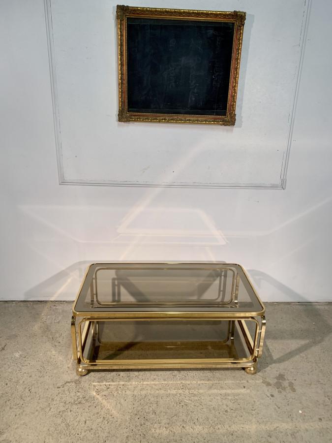 Superbe table basse dorée vitrée