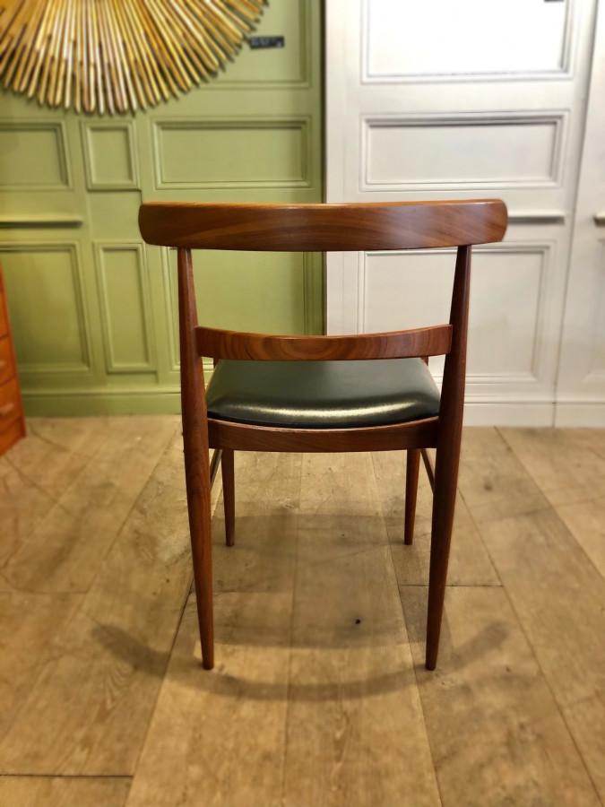 Bel ensemble de six chaises