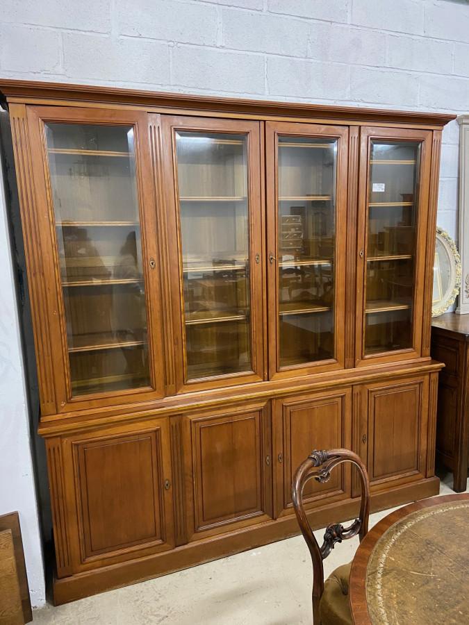 Grande bibliothèque de style Louis XVI