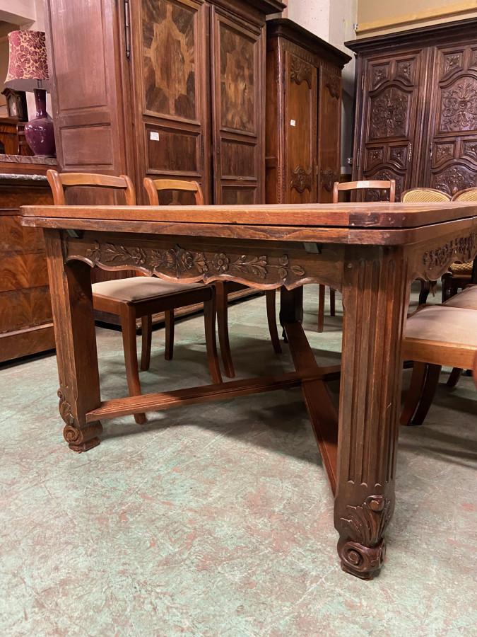 Table néo rustique de style Louis XV